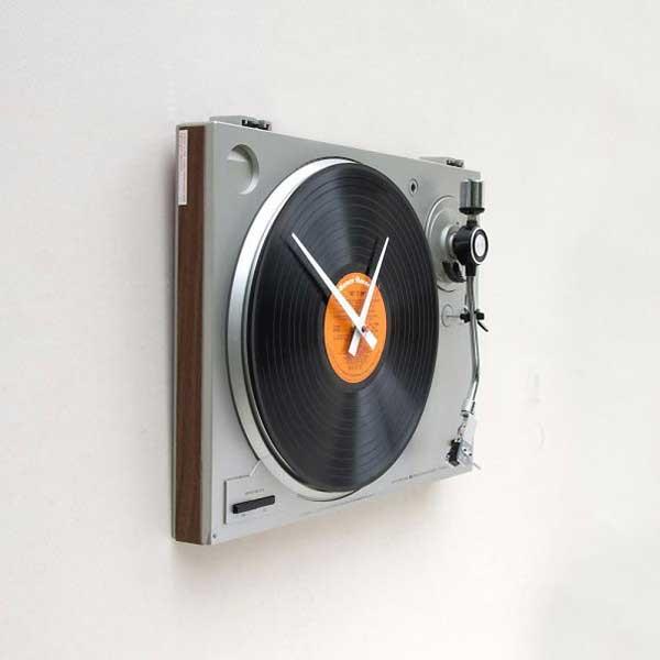 Đồng hồ treo tường máy nghe nhạc đĩa
