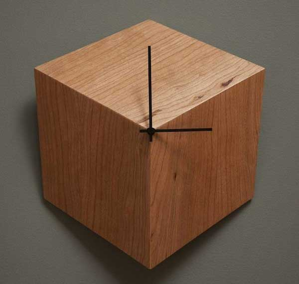 Đồng hồ treo tường khối hộp
