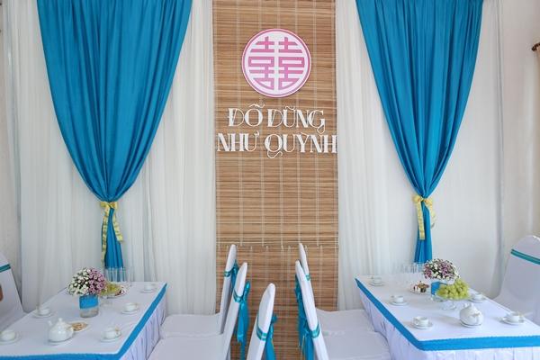 trang trí phòng khách tiệc cưới