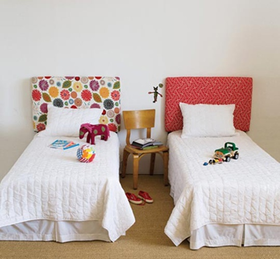 trang trí tường đầu giường