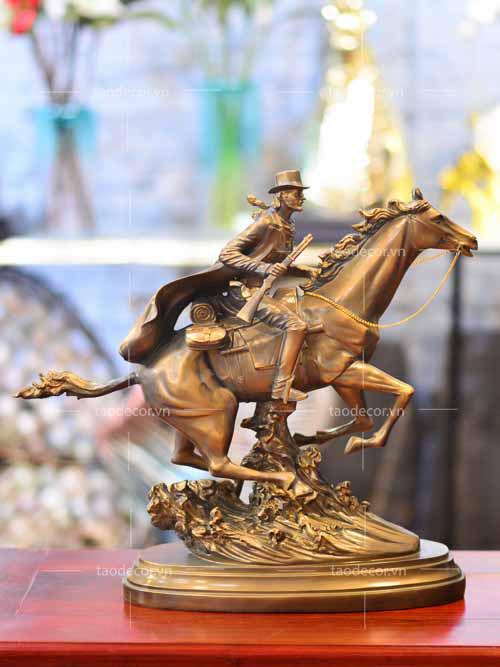 Chàng Cao Bồi Cưỡi Ngựa - taodecor.vn trang trí nhà và quà tặng 5