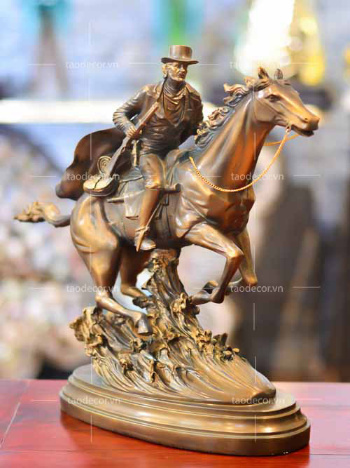 Chàng Cao Bồi Cưỡi Ngựa - taodecor.vn trang trí nhà và quà tặng