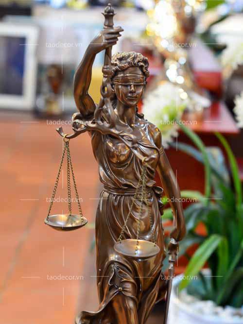Nữ thần công lý - taodecor.vn trang trí nhà và quà tặng 5
