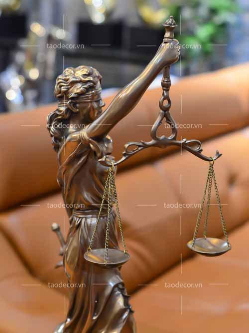 Nữ thần công lý - taodecor.vn trang trí nhà và quà tặng 4