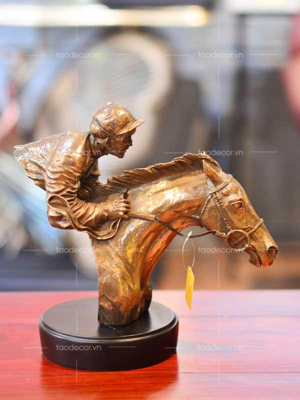 người đua ngựa - taodecor.vn trang trí nhà và quà tặng 1