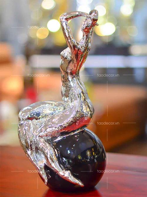 Bộ tượng cô gái nghệ thuật - taodecor.vn trang trí nhà và quà tặng 3