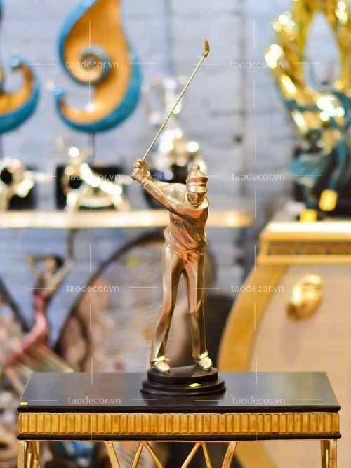 Tượng Cô Gái Trẻ Chơi Golf - taodecor.vn trang trí nhà và quà tặng