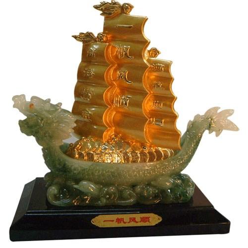 Quà tặng phong thủy cho sếp biểu tượng thuyền buồm thành công