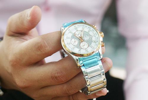 Kinh nghiệm tặng quà sếp đồng hồ cao cấp