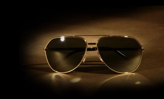 Mắt kính là món quà mà phái nam rất cần thiết