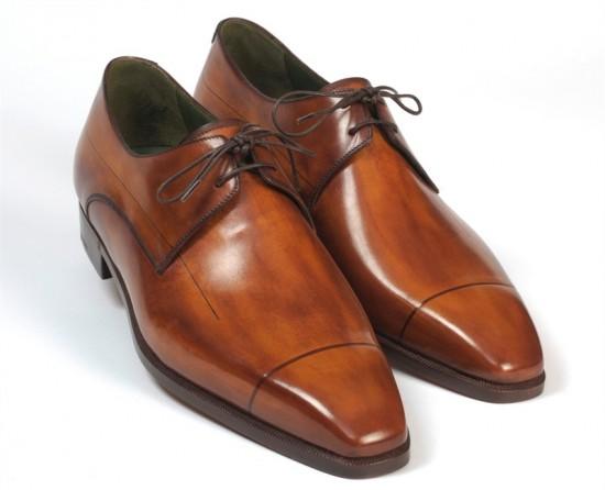 Một đôi giày da khiến sếp lịch lãm hơn