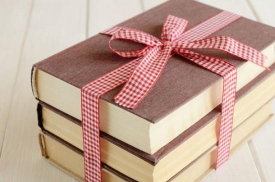 Tìm hiểu về sở thích trước khi quyết định tặng quà gì cho sếp