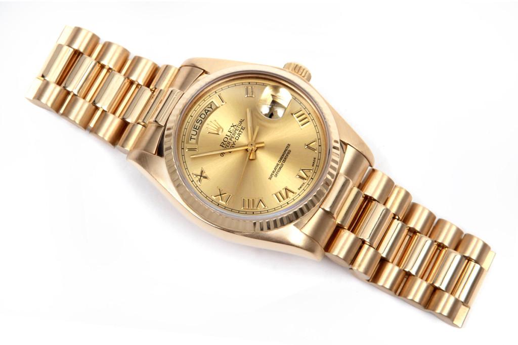 Gợi ý đồng hồ quà tặng cho doanh nghiệp