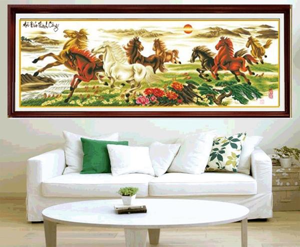 Trang trí phòng khách của sếp bằng một bức tranh thêu