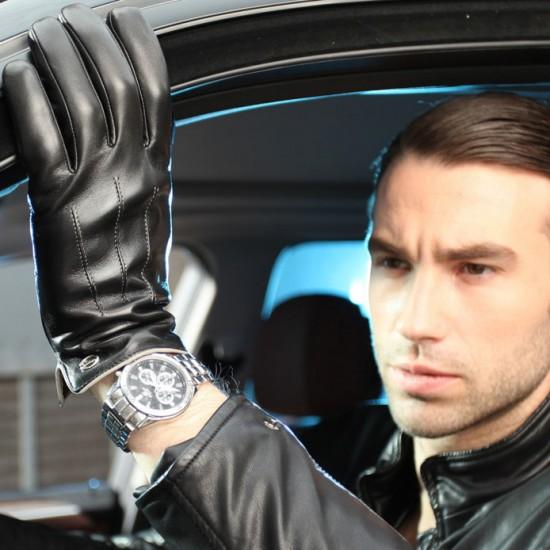 Một đôi bao tay da khiến sếp trở nên thu hút hơn