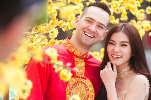 Một bộ áo dài khiến sếp thật vui trong những ngày lễ ở Việt Nam