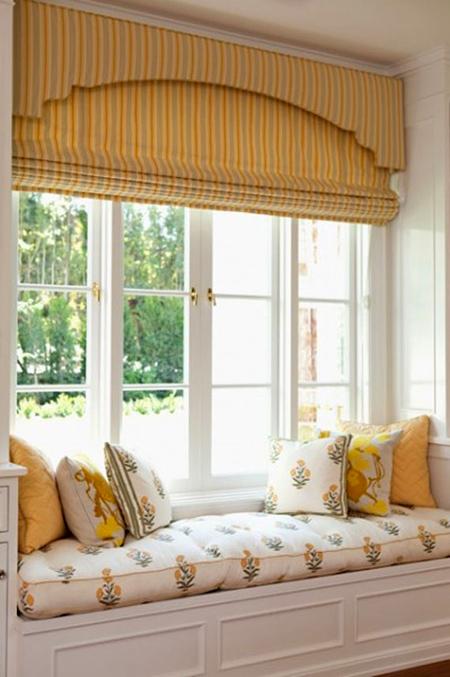 Chọn một chiếc rèm cửa với tông màu sáng
