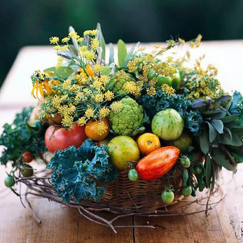 Giỏ hoa từ rau củ quả