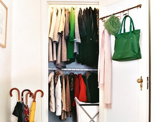Chọn những bộ quần áo hay mặc ở vị trí dễ lấy