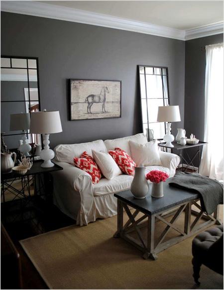 Căn phòng có những nội thất đối xứng trở nên ấm áp hơn