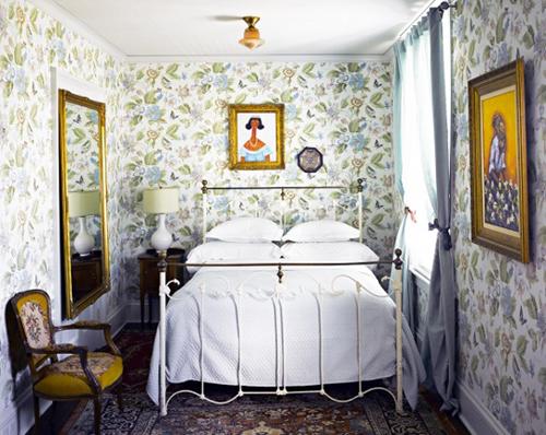 Hoạ tiết hoa lá cho phòng ngủ nhỏ