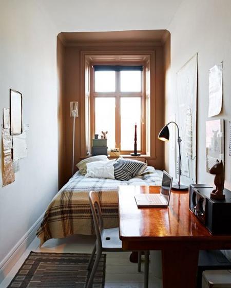 Màu nâu luôn mang cảm giác ấm áp cho phòng ngủ nhỏ