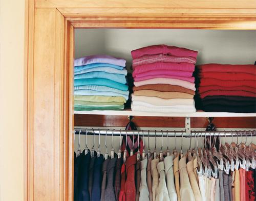 Hãy để các bộ quần áo cùng màu ở cùng một vị trí