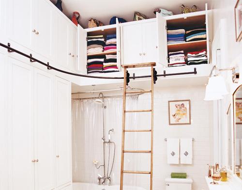 Đóng tủ quần áo trên cao